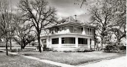 The Erwin Home is located on 7th Street, was built by M.J. Erwin in 1905. Cypress siding, which was hauled by train from Lausanne, was used on the exterior. The architect for the home was from Dallas. The home is now owned by the Hunter family.